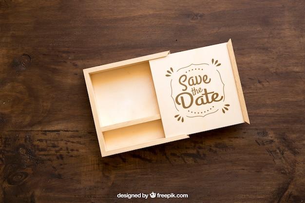 Maquete de caixa de madeira aberta