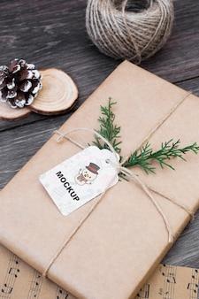 Maquete de caixa presente com conceito de natal