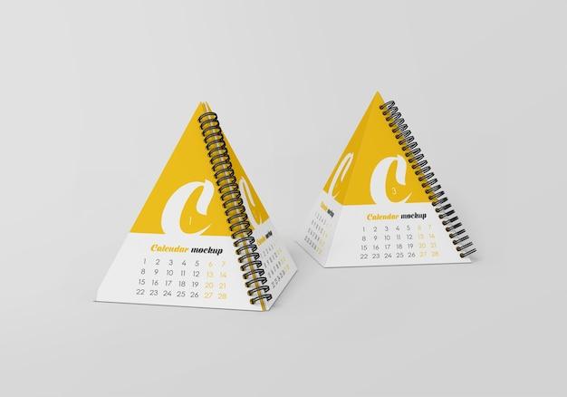 Maquete de calendário de mesa em pirâmide em espiral