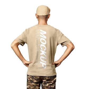 Maquete de camisa com roupa de moda