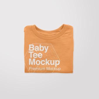 Maquete de camiseta dobrada para bebê