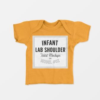Maquete de camiseta infantil para o ombro colo 02