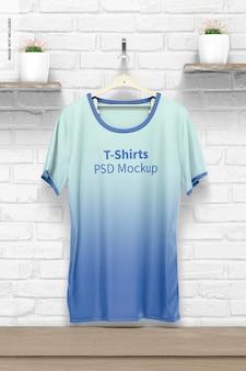 Maquete de camiseta suspensa
