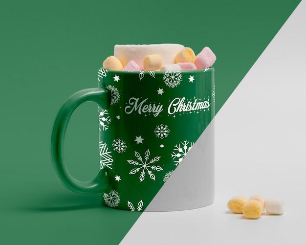 Maquete de caneca de natal decorada