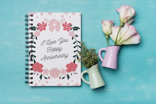 Maquete de capa de caderno bonito com decoração floral