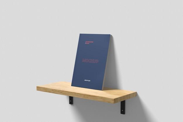 Maquete de capa de revista a4 na mesa flutuante