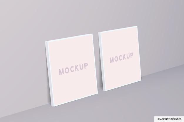 Maquete de capa de revista em retrato em mesa flutuante com vista em perspectiva
