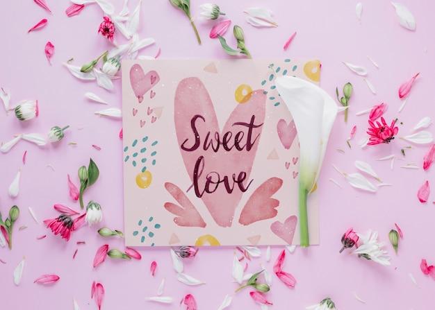 Maquete de cartão com conceito de dia dos namorados floral
