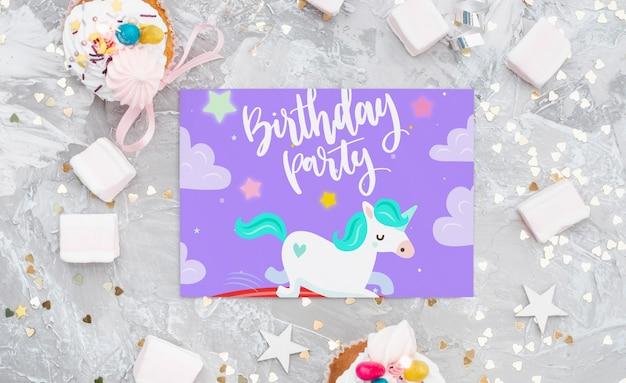 Maquete de cartão de aniversário