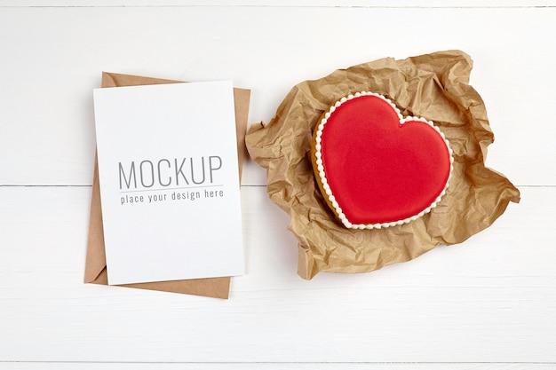 Maquete de cartão de dia dos namorados com biscoitos doces