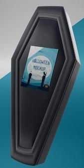 Maquete de cartão de halloween em caixão preto