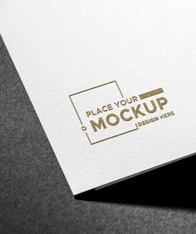 Maquete de cartão de visita branco close-up