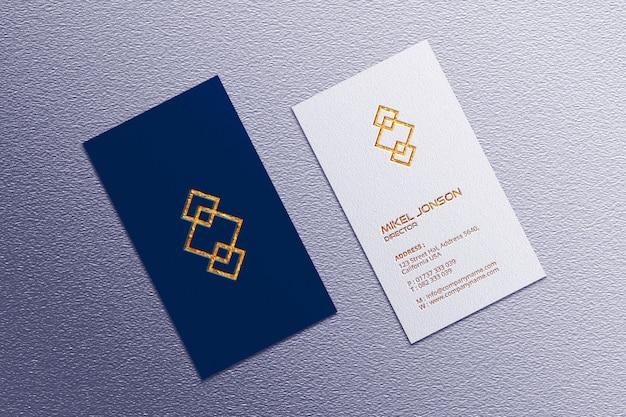Maquete de cartão de visita de estilos verticais