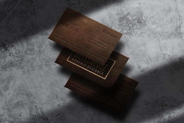 Maquete de cartão de visita de luxo em couro