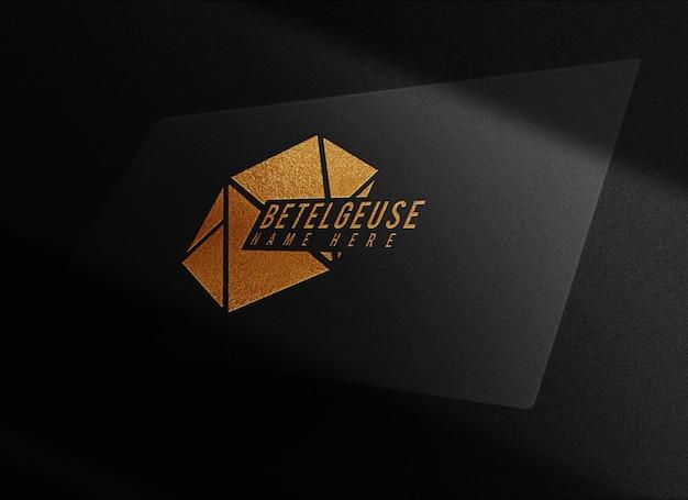 Maquete de cartão de visita de luxo em relevo dourado