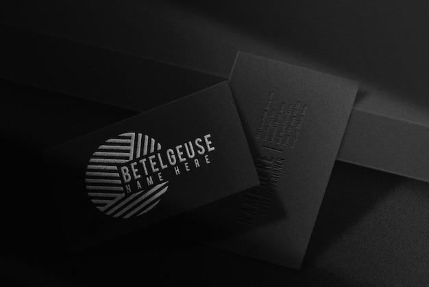 Maquete de cartão de visita de luxo prata betelgeuse em relevo