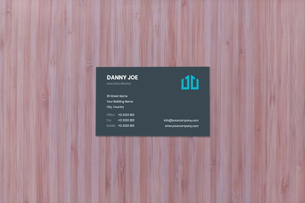 Maquete de cartão de visita de madeira natural