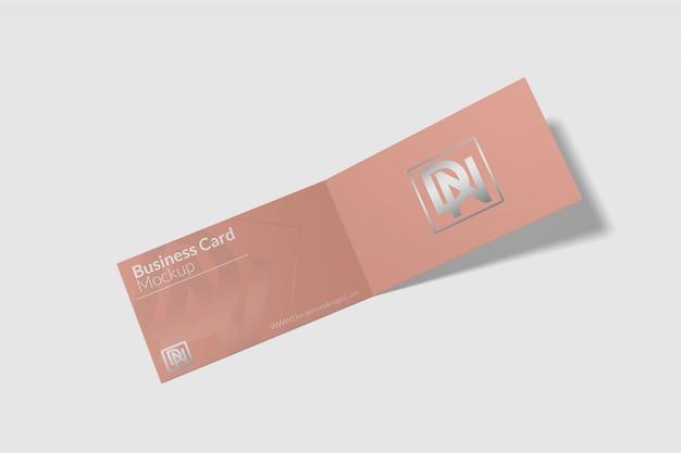 Maquete de cartão de visita dobrado 1