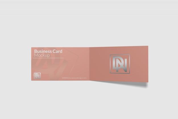 Maquete de cartão de visita dobrado 2 Psd Premium