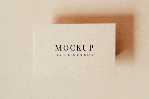 Maquete de cartão de visita em branco bege