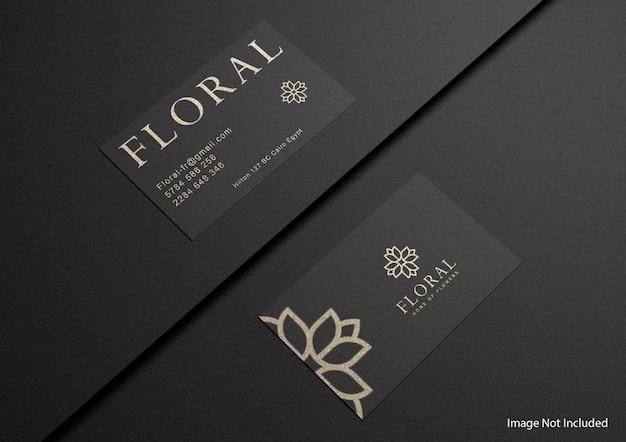 Maquete de cartão de visita escuro de luxo