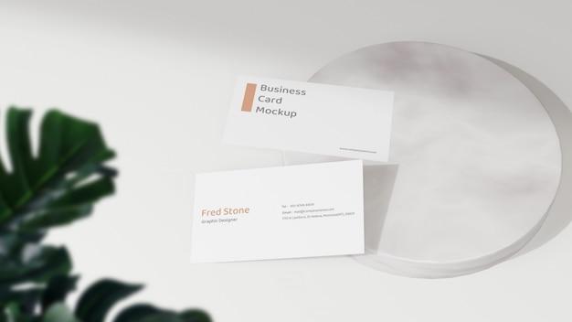 Maquete de cartão de visita mínimo na plataforma mable
