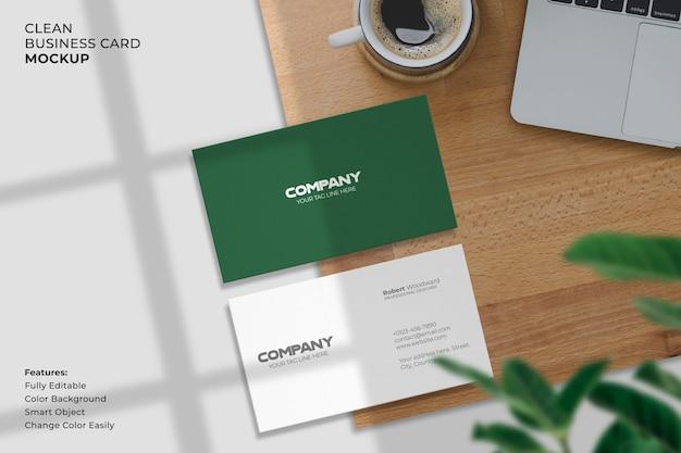 Maquete de cartão de visita moderno e limpo