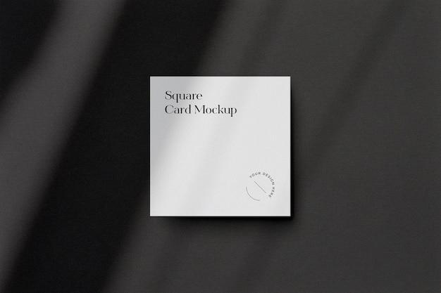 Maquete de cartão de visita quadrada com sobreposição de sombra