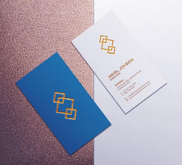 Maquete de cartão de visita vertical frente e verso