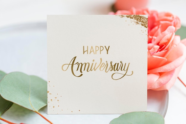Maquete de cartão floral feliz aniversário
