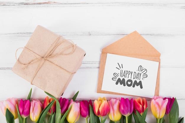 Maquete de cartão plana leigo para a páscoa