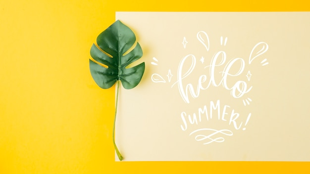 Maquete de cartão plana leigo para conceitos de verão
