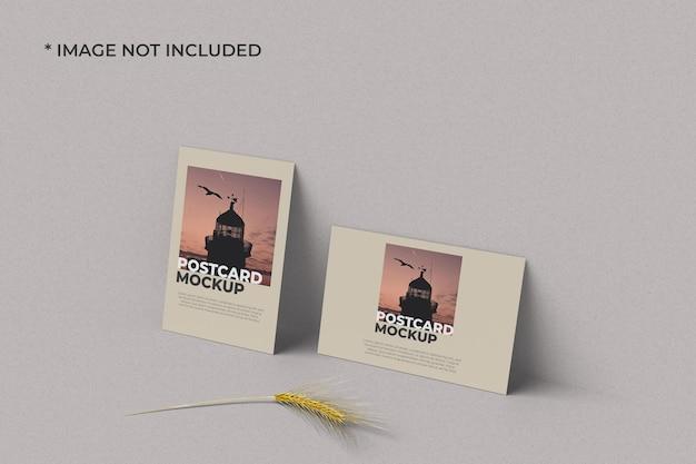 Maquete de cartão postal em retrato e paisagem direita