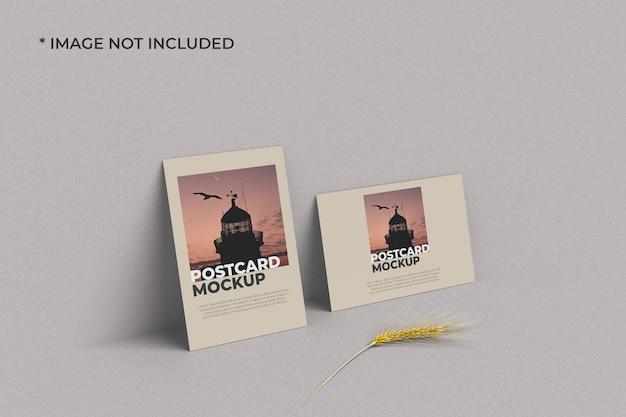 Maquete de cartão postal em retrato e paisagem esquerda