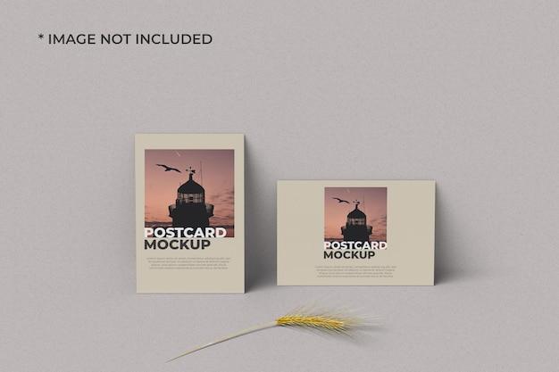 Maquete de cartão postal em retrato e paisagem frontal