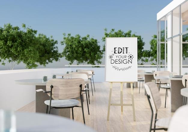 Maquete de cavalete no terraço do restaurante