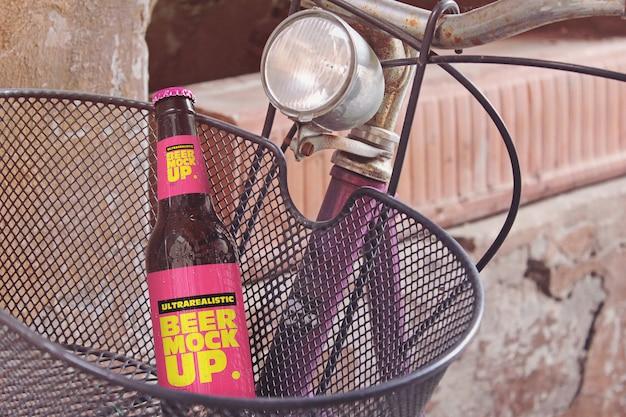 Maquete de cerveja de cesta de bicicleta