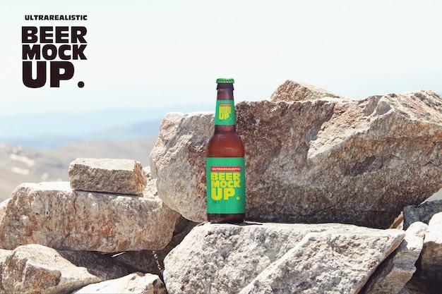 Maquete de cerveja de natureza de pedra