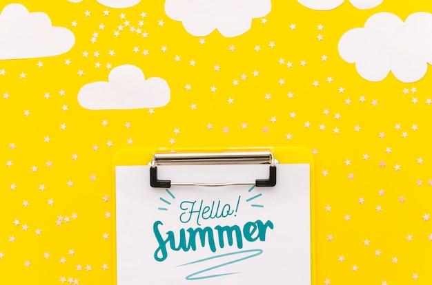 Maquete de cliupboard lay plana para conceitos de verão
