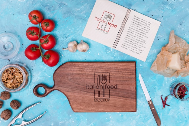 Maquete de comida italiana com ingredientes