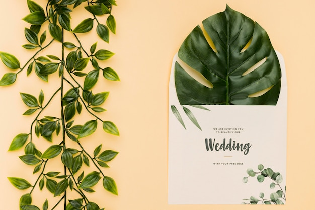 Maquete de conceito de convite de casamento lindo