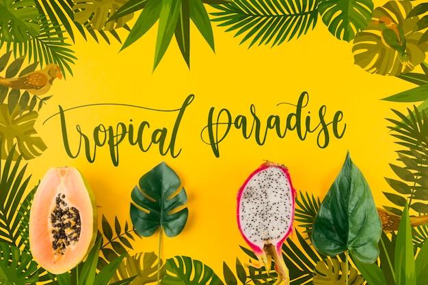 Maquete de configuração plana copyspace com folhas tropicais