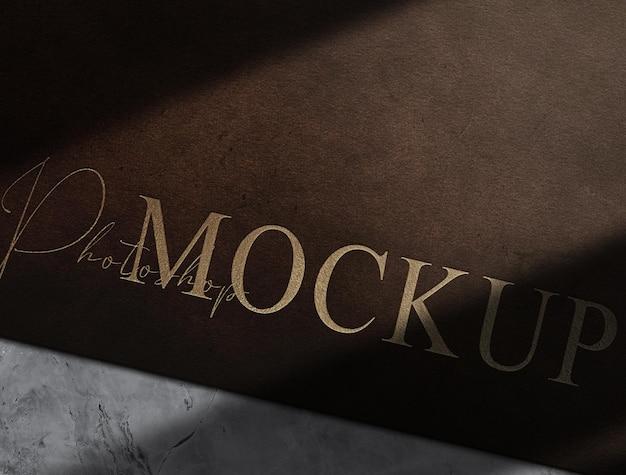 Maquete de couro de luxo em relevo