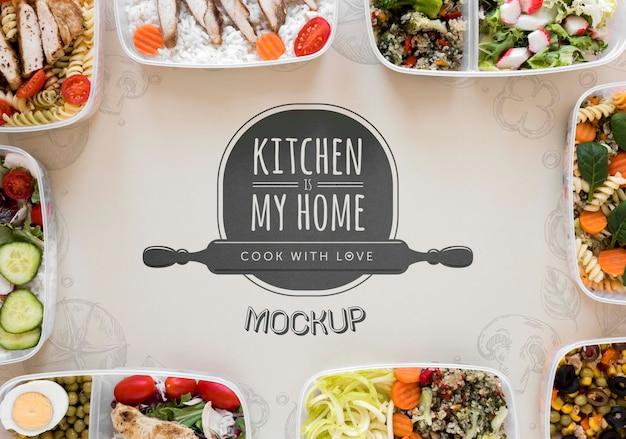 Maquete de cozinha com comida deliciosa