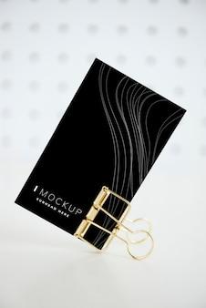 Maquete de design de cartão de papel preto