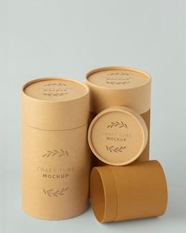 Maquete de design de cilindro de papel artesanal