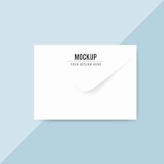Maquete de design de envelope de papel simples