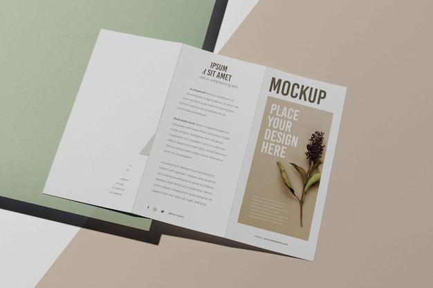 Maquete de design de estúdio de brochura