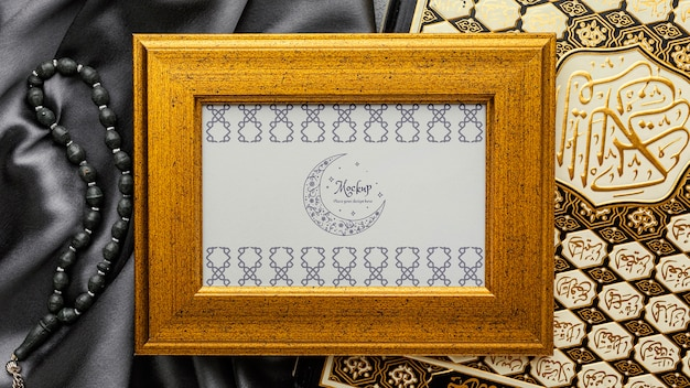 Maquete de design de moldura de ramadã