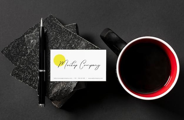 Maquete de design de papelaria elegante de pedra escura